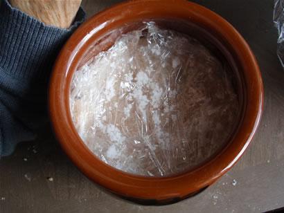 お味噌を作り